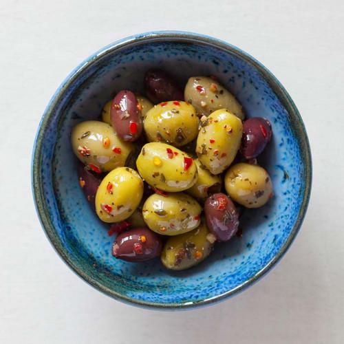 F2101301 - Real Olive Co. Marinated Organic Kasbah Olives, 185g Deli Pot