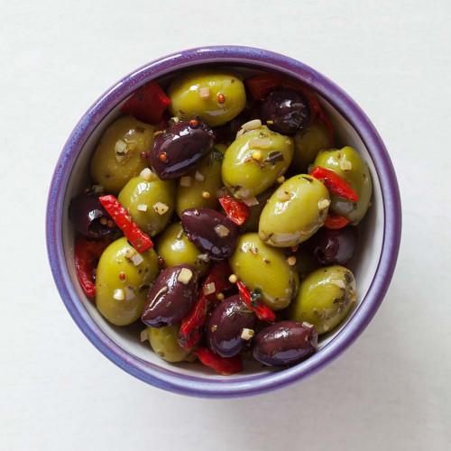 F2101501 - Real Olive Co. Marinated Siciliana Olives, 185g Deli Pot